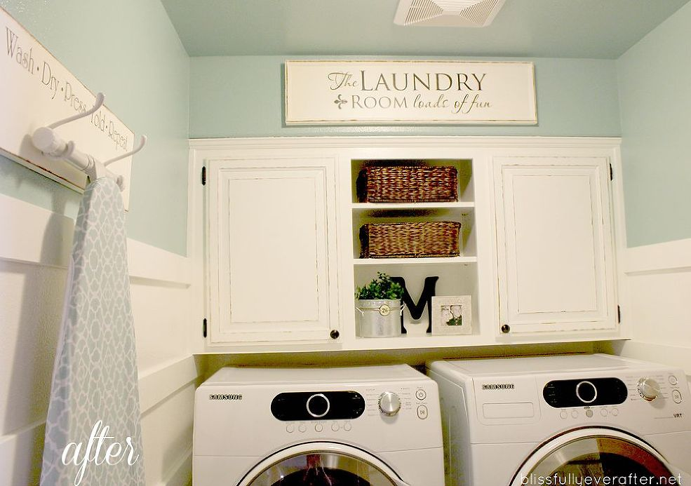 Country Laundry Room Decor